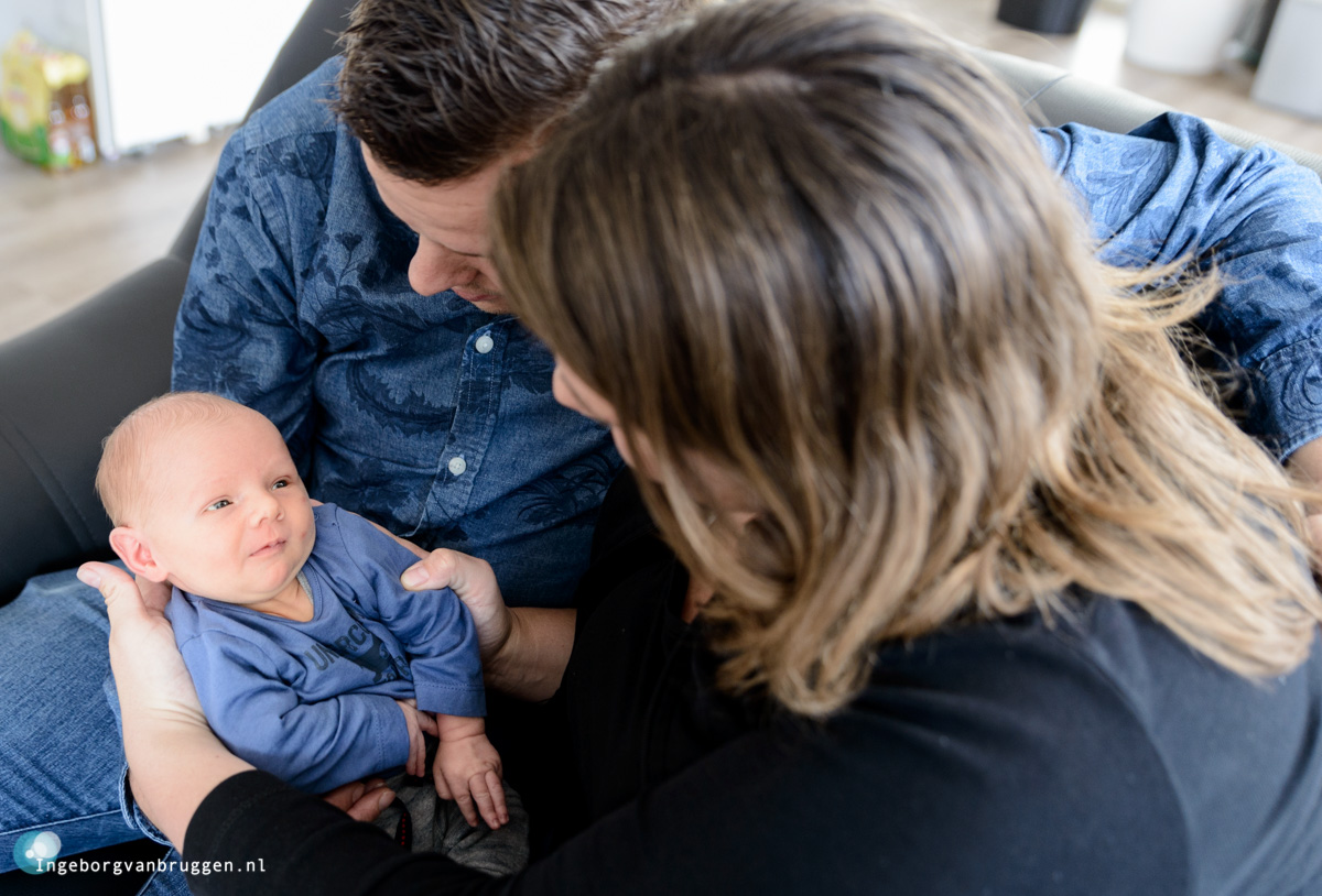 Journalistieke newbornshoot