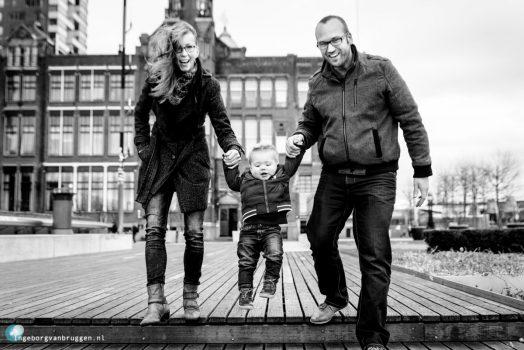 Familieshoot-Erasmusbrug-en-Hotel-New-York