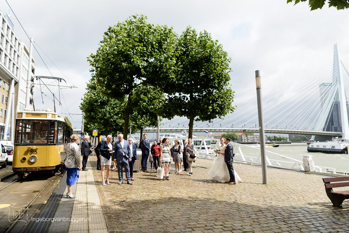 Trouwfotografie Rotterdam met tram