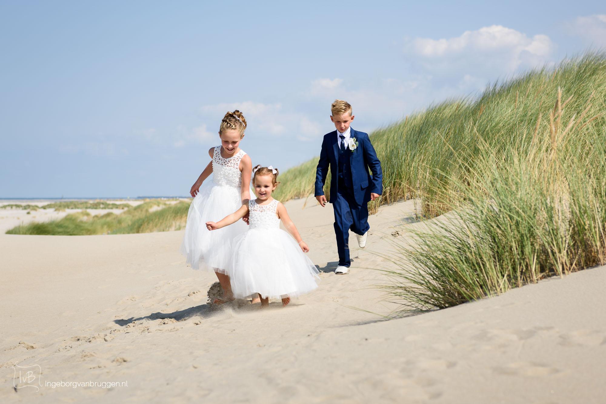 Bruidsfotografie Strand Monster
