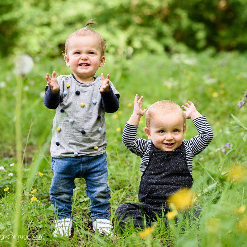 Fotoshoot van een tweeling