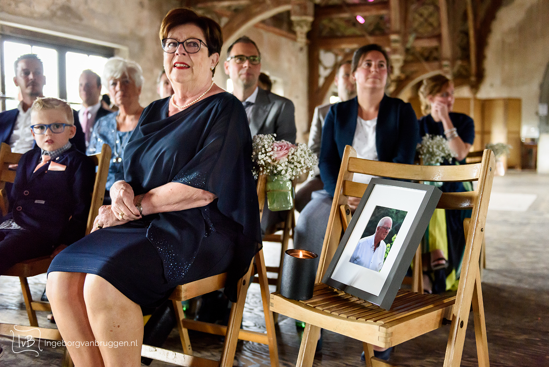 Foto's van overledene op de bruiloft